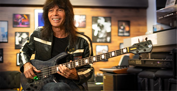 artist, Rudy Sarzo, playing Spector bass